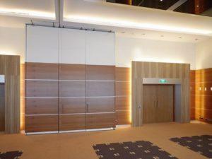 Dorint_hotel_Eindhoven_panel_walls_closed